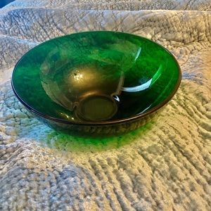 Glass green bowl. Vintage for collectors